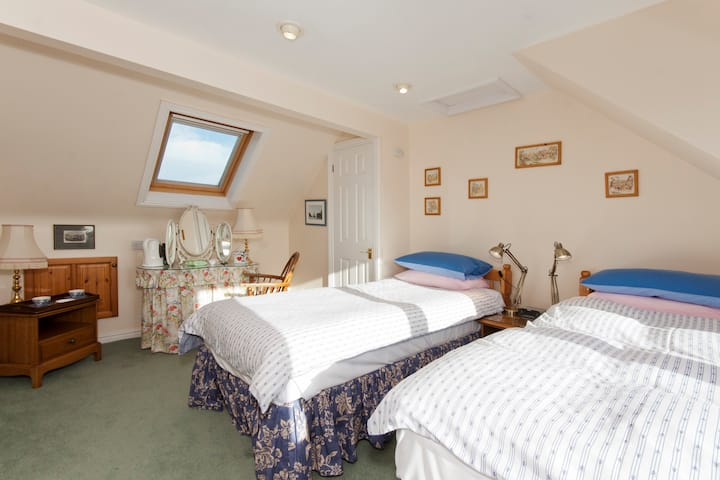 Campbells B&B Twin Room