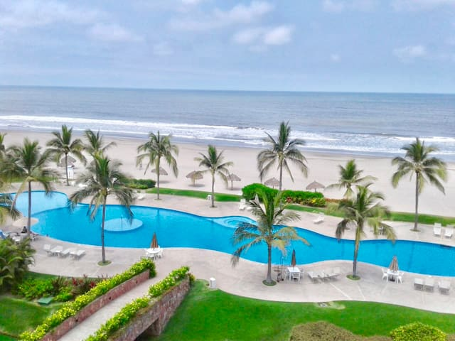 Beachfront Luxury Condo @ Mayan Island Nvo. Vta