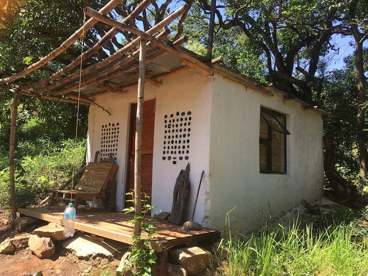 Travellers Cottage in Lubuyani River Reserve