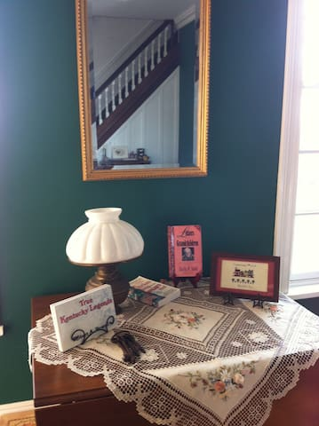 Collections of books to read and the décor lends a homey feel