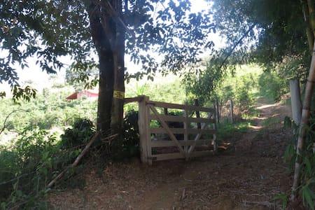 Casa de sítio  no meio da serra - Poços de Caldas