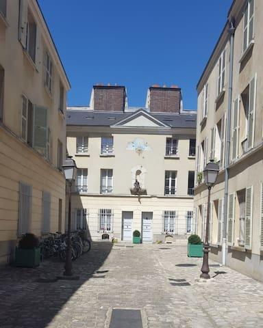 Chambre avec pièce repos / Versailles hypercentre