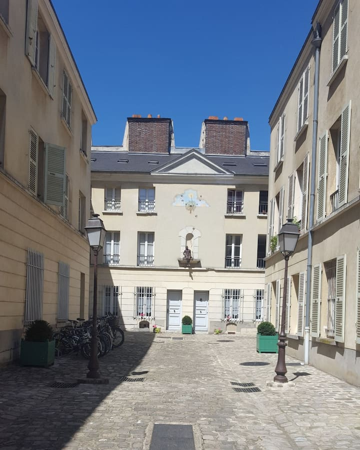2 Chambres + SDB + Salon / Versailles hypercentre