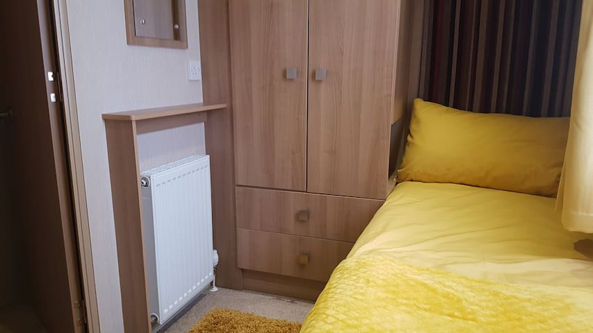 One of the Twin rooms lots of room
