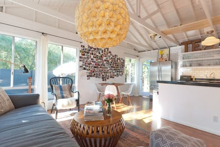 2BD Venice Bright and Airy Getaway - House