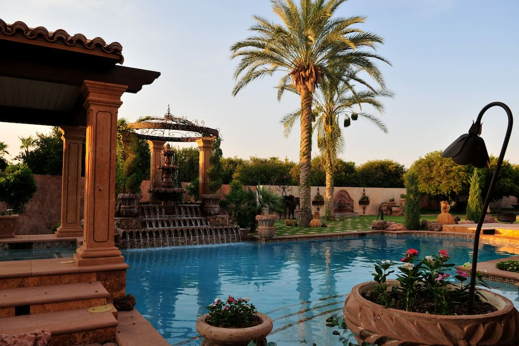 Developer 39 s magnificent resort home houses for rent in for Indoor swimming pools in mesa az