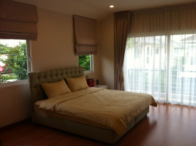 Single House 200 sqm. 3 bed 3 bath  - Rangsit - Casa