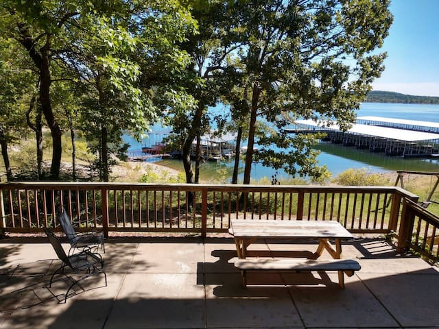 Great Waterfront 2-Bdrm by SDC 50 ft. from water!