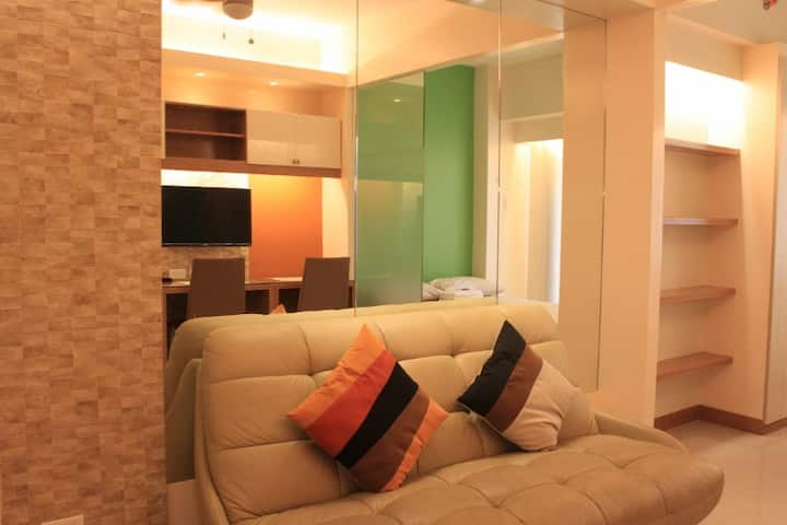 1BR Stylist Flat(SM Mall of asia)
