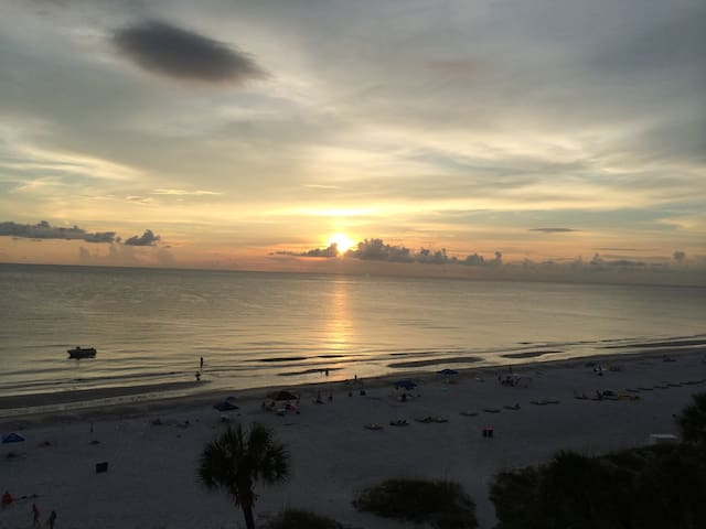 Gulf front beach condo - Indian Shores - Daire