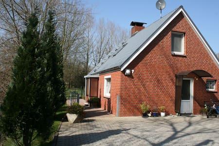 """Haus """"Flussblick"""" in Ihlienworth - Ihlienworth - Rumah"""
