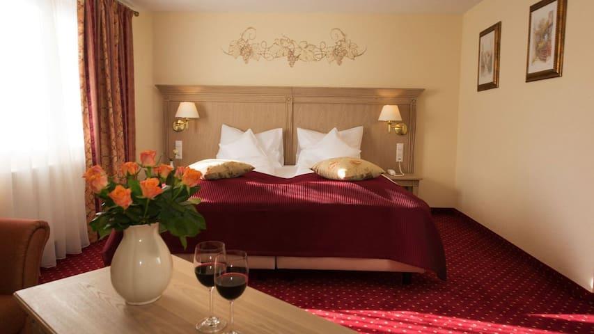 Hotel Rebstock, (Baden-Baden), Junior Suite
