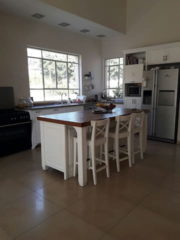 A pleasant home in hod hasharon