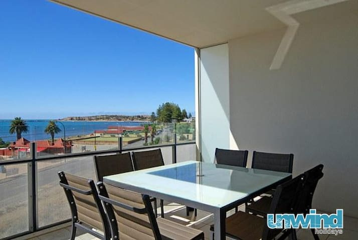 'The Frontage' - Victor Harbor Penthouse