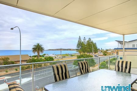 "Unwind @ ""The Block"" Ocean View Penthouse no5 - Victor Harbor"