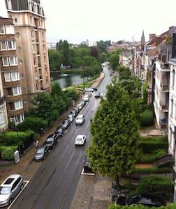 Appartement aux Etangs Ixelles. - Ixelles - Apartment