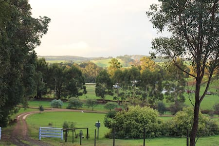welcoming b&b amidst rolling hills - Nannup - Bed & Breakfast