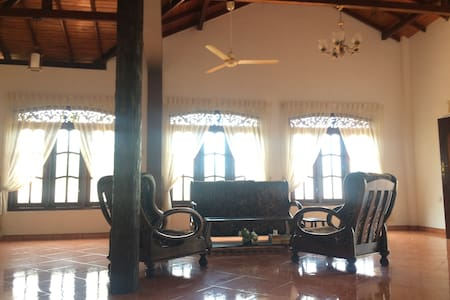 Beach Balcony Villa-- By The Ocean - Weligama - Casa