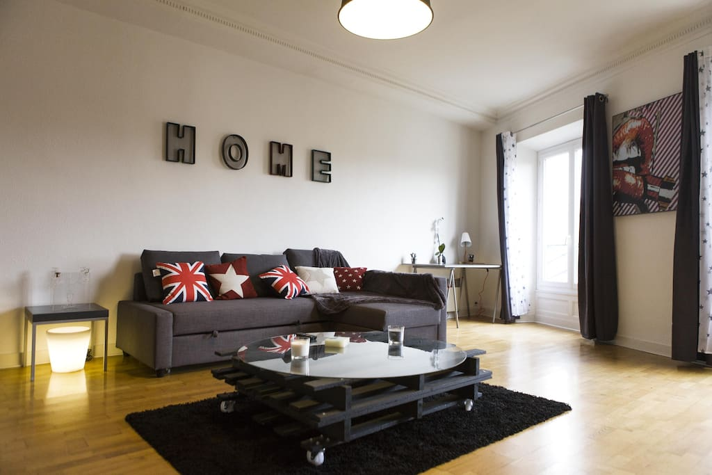 Superbe t2 hypercentre bordeaux appartements louer for Location appartement t2 bordeaux