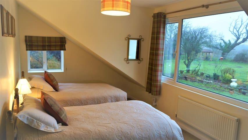 The Landrace Farmhouse en suite twin bedded room