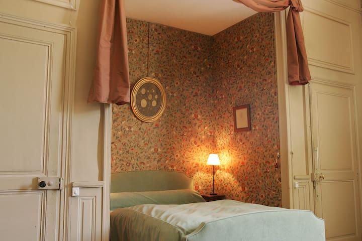 Chambre Perruches au château de Craon - Craon - Kasteel