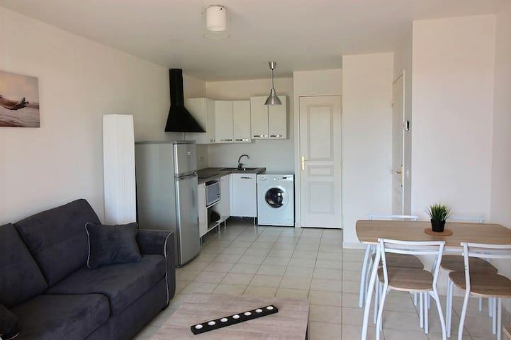 Appartement T2 meublé lumineux terrasse agréable