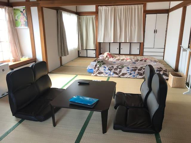 1フロア ベッドルーム