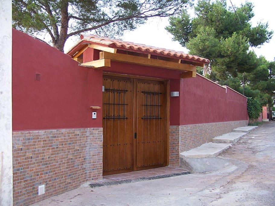 Casa en valencia con piscina climatizada casas de campo for Piscina climatizada valencia