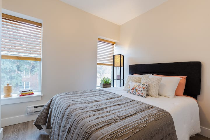 1 Bedroom Private Apartment at The Maryland Hotel