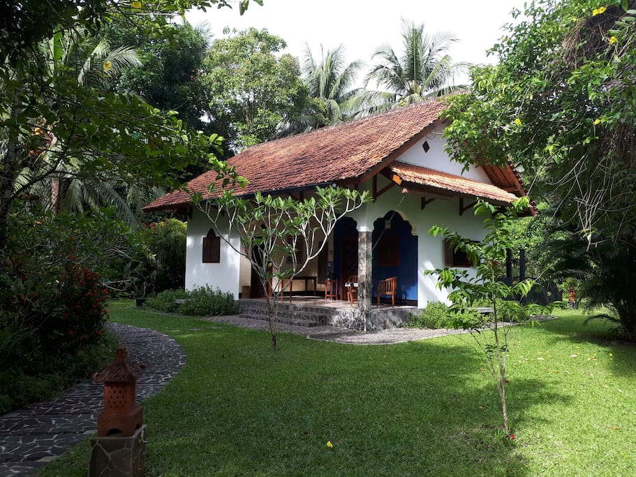 The bungalow at paddy view case in affitto a pangandaran for Piani di casa bungalow quattro camere da letto