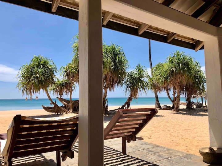Moon Isle Beach Bungalow, Nilaveli Rm no:1
