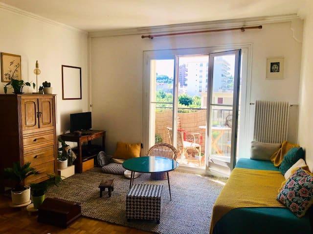 Chambre paisible et confortable, 2 lits, Paris