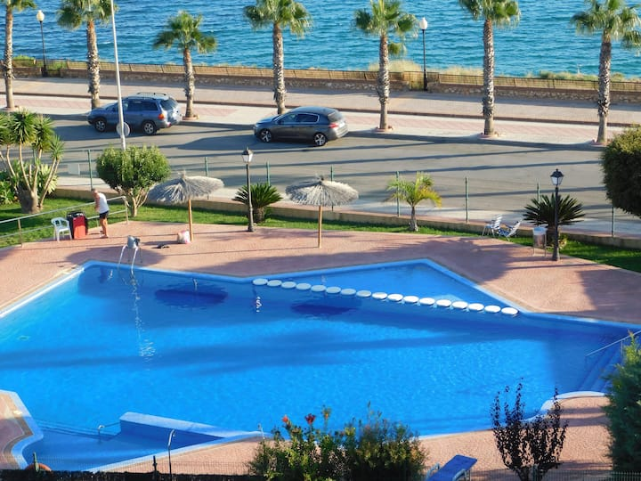 "Modern Frontline,, Cabo del Playa"" Apartment"