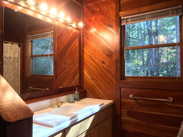 The master bathroom in Ginger's House
