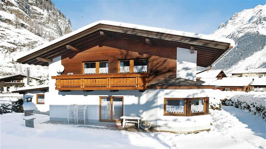 Grande Chalet vicino o Ski Lift