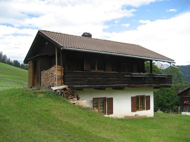 Baita nelle Dolomiti - Berghaus in den Dolomiten