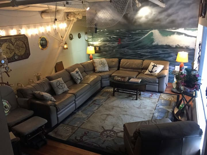 Carrie's Whale Watching Quarters
