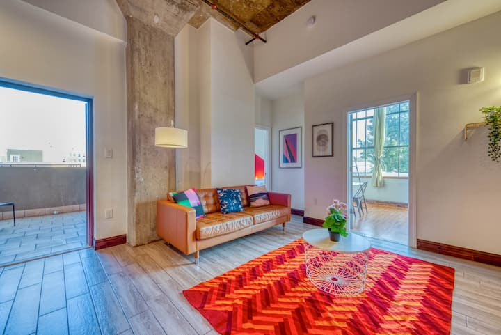 Sosuite | Colorful 2BR/2BA w. Private Terrace + Discounted Parking