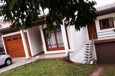 Casa completa no centro da cidade