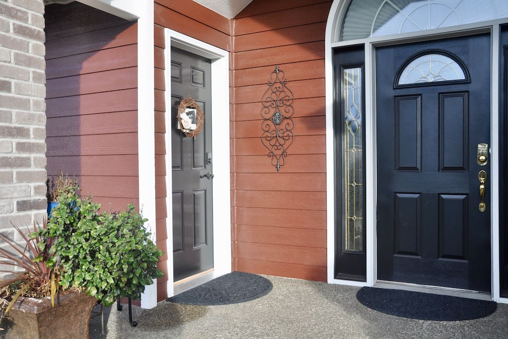 You will have your own front door to your private suite. We are available next door if you need anything during your stay and we will respect your privacy.