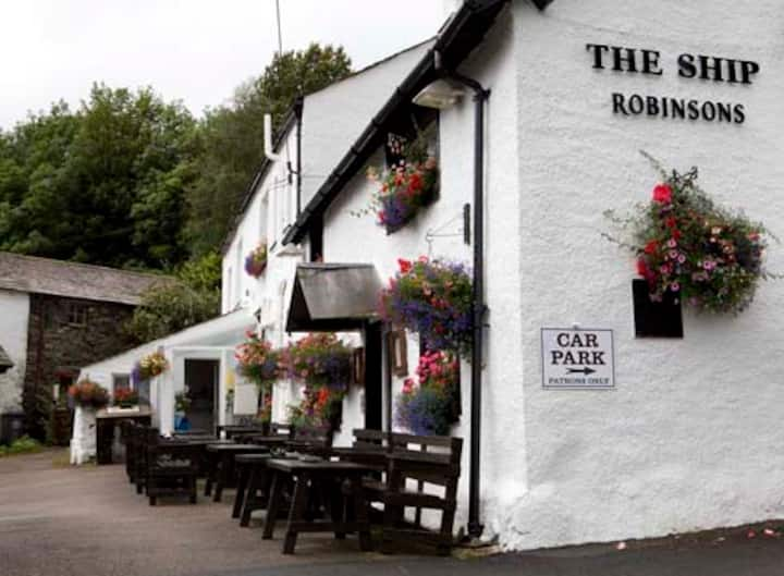 Ship Inn Room 3 - Bed & Breakfast,  Coniston