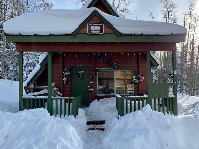 Cozy Lazy Bear Cottage