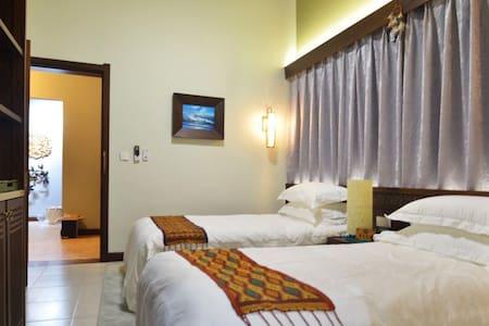 SeaFun Villa#105 Standard Twin Bed (Shared Villa)