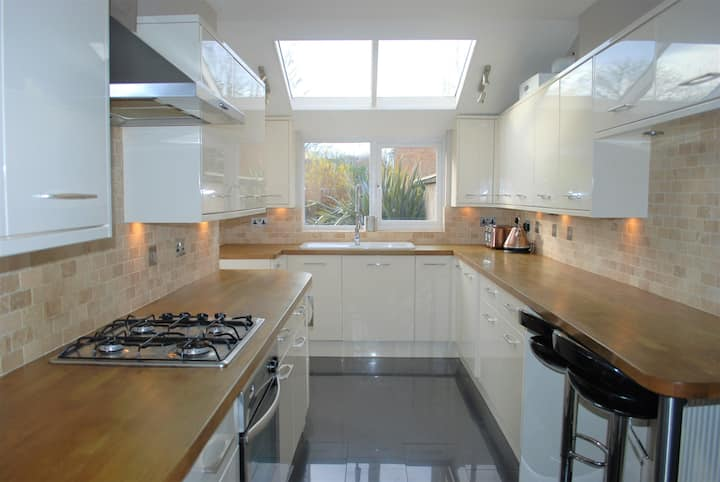 Beautifully presented semi-detached house