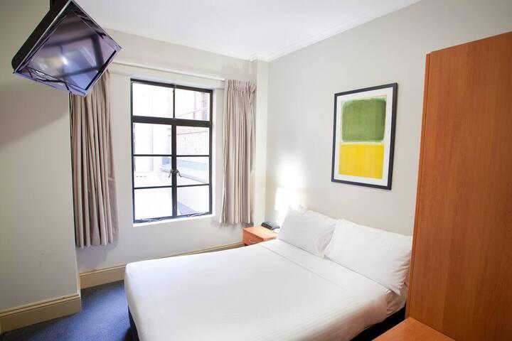 1831 Duo Room