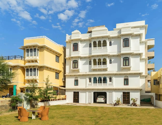 Luxury Home Stay In Udaipur