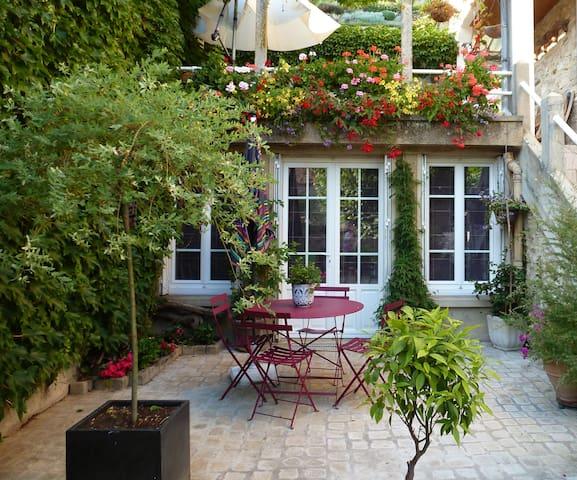 Francine vous accueille  - Mont-Saint-Père - House