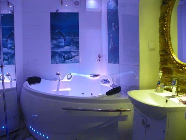 Luxury Apartments 3BR/2BathR