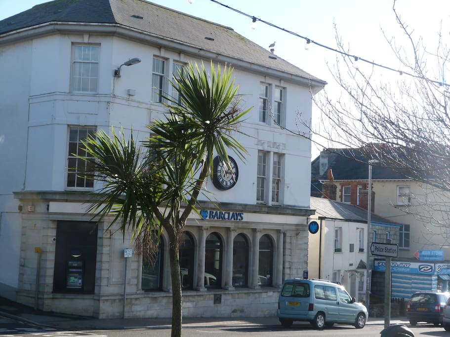 Great location in centre of Bude, near beach, bars, shops and cafes (but with double glazing so it's very quiet. )