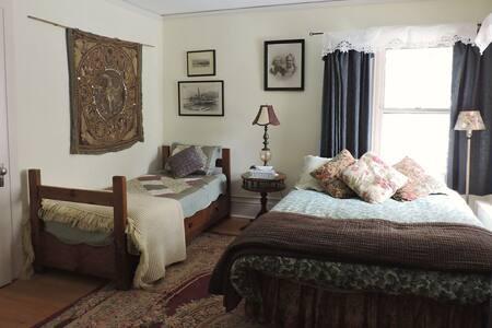 The Doctor's Inn - The White Room